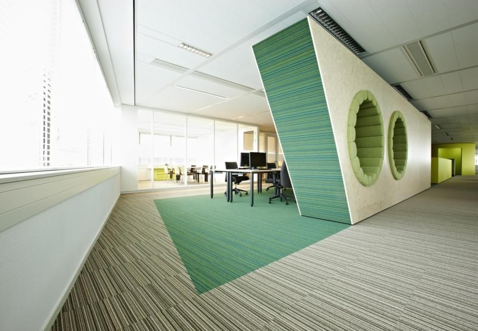 attractive-opened-office-design